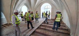 Cēsu pils restauratori viesojas Rīgas pils Kastelas daļā