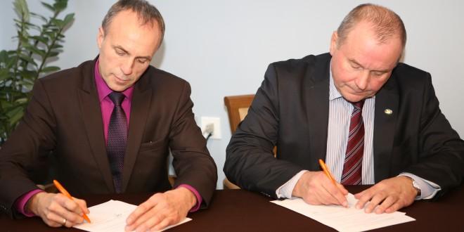 Baltkrievijas Arhitektūras un būvniecības ministrijas un Baltkrievijas Būvnieku asociācijas pārstāvji Rīgā paraksta sadarbības līgumus ar LBS un LBA